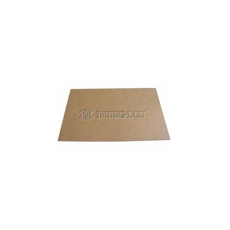 Tablero prensado DM de 300x3x200 mm.
